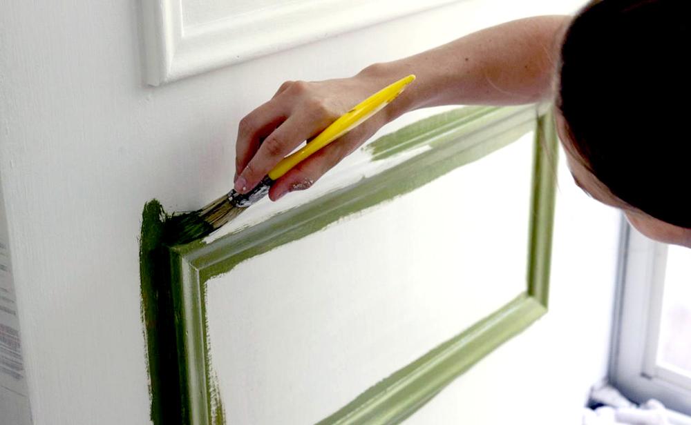 Как покрасить двери своими руками